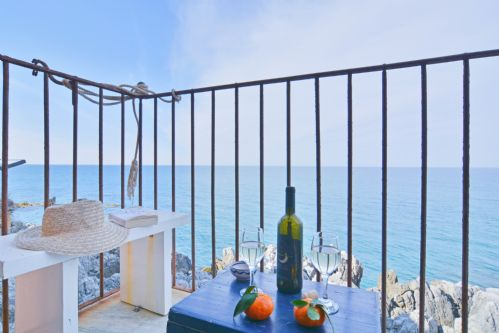 Upfront,up,front,reviews,accommodation,self,catering,rental,holiday,homes,cottages,feedback,information,genuine,trust,worthy,trustworthy,supercontrol,system,guests,customers,verified,exclusive,terrazza gabbiano sotto,massimo villas,cefalu,,image,of,photo,picture,view