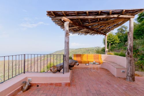 Upfront,up,front,reviews,accommodation,self,catering,rental,holiday,homes,cottages,feedback,information,genuine,trust,worthy,trustworthy,supercontrol,system,guests,customers,verified,exclusive,villa cipressi,massimo villas,cefalu,,image,of,photo,picture,view