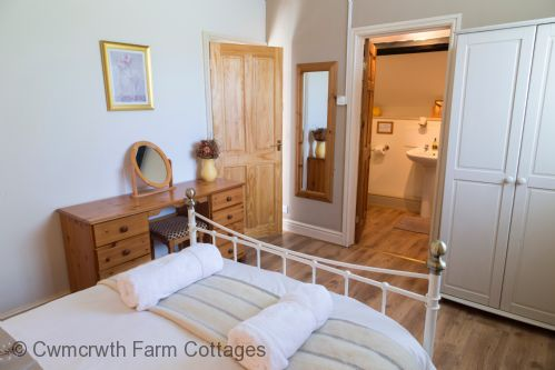 Upfront,up,front,reviews,accommodation,self,catering,rental,holiday,homes,cottages,feedback,information,genuine,trust,worthy,trustworthy,supercontrol,system,guests,customers,verified,exclusive,the coach house,cwmcrwth farm cottages,llandeilo,,image,of,photo,picture,view