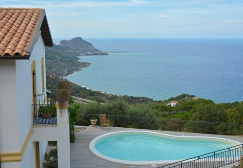 Upfront,up,front,reviews,accommodation,self,catering,rental,holiday,homes,cottages,feedback,information,genuine,trust,worthy,trustworthy,supercontrol,system,guests,customers,verified,exclusive,villa il basto,massimo villas,cefalu,,image,of,photo,picture,view