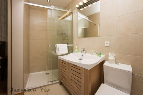 Ensuite bathroom from master bedroom