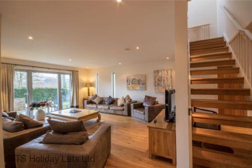 Sensational Wester Bruadair Is A Stunning 5 Star 5 Bedroom Self Download Free Architecture Designs Scobabritishbridgeorg