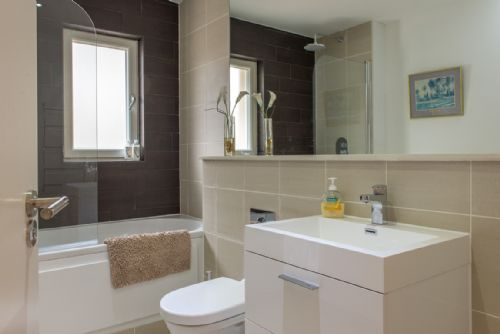Upfront,up,front,reviews,accommodation,self,catering,rental,holiday,homes,cottages,feedback,information,genuine,trust,worthy,trustworthy,supercontrol,system,guests,customers,verified,exclusive,dean park street - mews,greatbase apartments ltd,edinburgh,,image,of,photo,picture,view