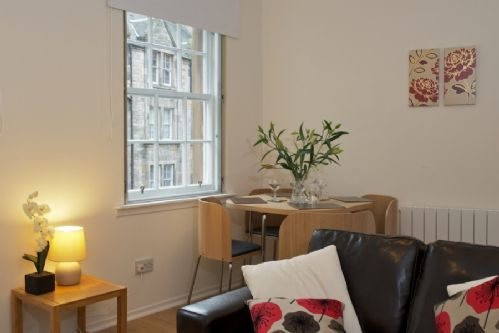 Upfront,up,front,reviews,accommodation,self,catering,rental,holiday,homes,cottages,feedback,information,genuine,trust,worthy,trustworthy,supercontrol,system,guests,customers,verified,exclusive,grassmarket 5,greatbase apartments ltd,edinburgh,,image,of,photo,picture,view