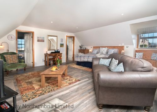 Upfront,up,front,reviews,accommodation,self,catering,rental,holiday,homes,cottages,feedback,information,genuine,trust,worthy,trustworthy,supercontrol,system,guests,customers,verified,exclusive,aidanfield,stay northumbria limited,fenwick,,image,of,photo,picture,view