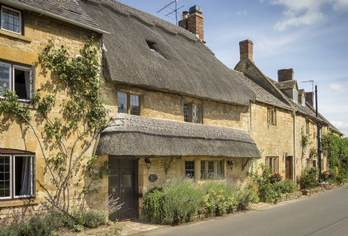 Groovy 15 Hand Picked Holiday Cottages In Chipping Campden Home Interior And Landscaping Mentranervesignezvosmurscom