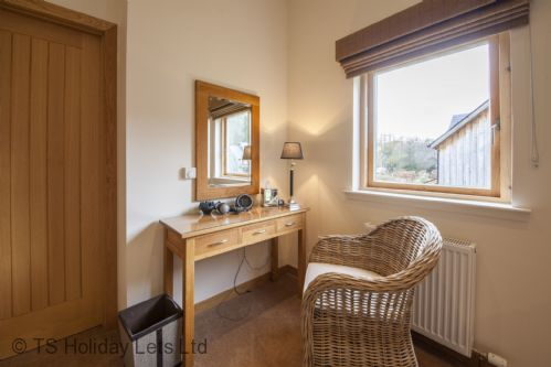 Upfront,up,front,reviews,accommodation,self,catering,rental,holiday,homes,cottages,feedback,information,genuine,trust,worthy,trustworthy,supercontrol,system,guests,customers,verified,exclusive,4 maxwells,click book stay ltd,kenmore,perthshire,image,of,photo,picture,view
