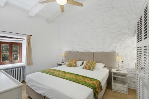 Upfront,up,front,reviews,accommodation,self,catering,rental,holiday,homes,cottages,feedback,information,genuine,trust,worthy,trustworthy,supercontrol,system,guests,customers,verified,exclusive,cal perdui,morgan & morgan fabulously good homes,pollença,,image,of,photo,picture,view