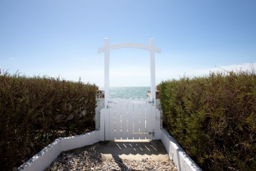 Upfront,up,front,reviews,accommodation,self,catering,rental,holiday,homes,cottages,feedback,information,genuine,trust,worthy,trustworthy,supercontrol,system,guests,customers,verified,exclusive,rox,wellies & windbreaks,west wittering,,image,of,photo,picture,view