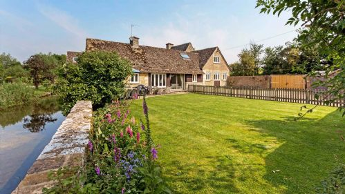 Dancers Cottage by River Leach - StayCotswold