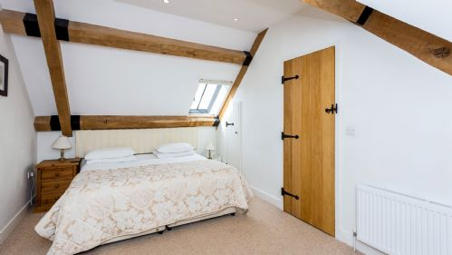 Upfront,up,front,reviews,accommodation,self,catering,rental,holiday,homes,cottages,feedback,information,genuine,trust,worthy,trustworthy,supercontrol,system,guests,customers,verified,exclusive,the barn ,staycotswold,shellingford, faringdon,,image,of,photo,picture,view