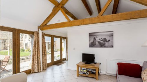 Upfront,up,front,reviews,accommodation,self,catering,rental,holiday,homes,cottages,feedback,information,genuine,trust,worthy,trustworthy,supercontrol,system,guests,customers,verified,exclusive,blossom barn ,staycotswold,shellingford, near faringdon,,image,of,photo,picture,view