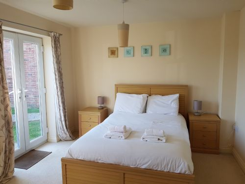 Upfront,up,front,reviews,accommodation,self,catering,rental,holiday,homes,cottages,feedback,information,genuine,trust,worthy,trustworthy,supercontrol,system,guests,customers,verified,exclusive,x - 3 oyster way ,stays york,filey,,image,of,photo,picture,view