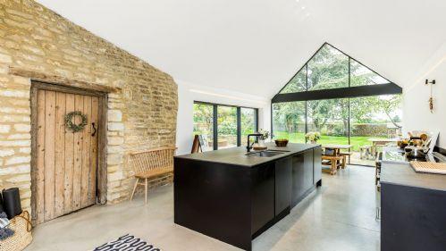 Church Farmhouse Kitchen - StayCotswold