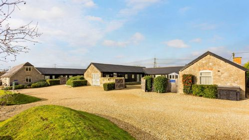 The Chimney Farm Barns - StayCotswold