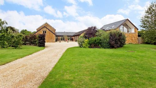 Hook Norton Barn - StayCotswold