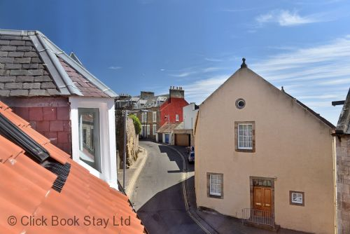 Upfront,up,front,reviews,accommodation,self,catering,rental,holiday,homes,cottages,feedback,information,genuine,trust,worthy,trustworthy,supercontrol,system,guests,customers,verified,exclusive,penthouse on the harbour ,click book stay ltd,pittenweem,fife,image,of,photo,picture,view
