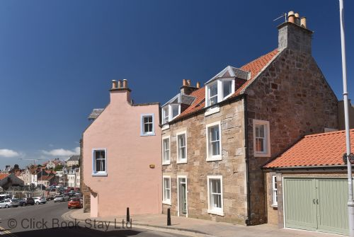 Upfront,up,front,reviews,accommodation,self,catering,rental,holiday,homes,cottages,feedback,information,genuine,trust,worthy,trustworthy,supercontrol,system,guests,customers,verified,exclusive,house on the harbour,click book stay ltd,pittenweem,fife,image,of,photo,picture,view