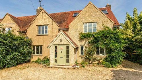 Marston Hill Cottage Entrance - StayCotswold