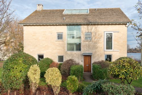 Upfront,up,front,reviews,accommodation,self,catering,rental,holiday,homes,cottages,feedback,information,genuine,trust,worthy,trustworthy,supercontrol,system,guests,customers,verified,exclusive,keel house (cw23), cotswolds,habitat escapes,somerford keynes ,,image,of,photo,picture,view