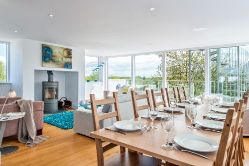 Upfront,up,front,reviews,accommodation,self,catering,rental,holiday,homes,cottages,feedback,information,genuine,trust,worthy,trustworthy,supercontrol,system,guests,customers,verified,exclusive,skydeck (hm50), cotswolds,habitat escapes,gloucestershire,,image,of,photo,picture,view