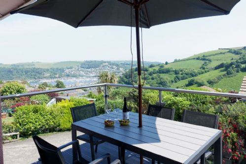 Upfront,up,front,reviews,accommodation,self,catering,rental,holiday,homes,cottages,feedback,information,genuine,trust,worthy,trustworthy,supercontrol,system,guests,customers,verified,exclusive,15 churchfields,dart valley cottages,dartmouth,,image,of,photo,picture,view