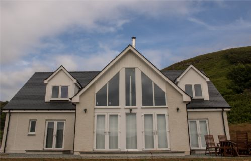 Upfront,up,front,reviews,accommodation,self,catering,rental,holiday,homes,cottages,feedback,information,genuine,trust,worthy,trustworthy,supercontrol,system,guests,customers,verified,exclusive,one mill lands,islands and highlands cottages,cuil, uig,,image,of,photo,picture,view