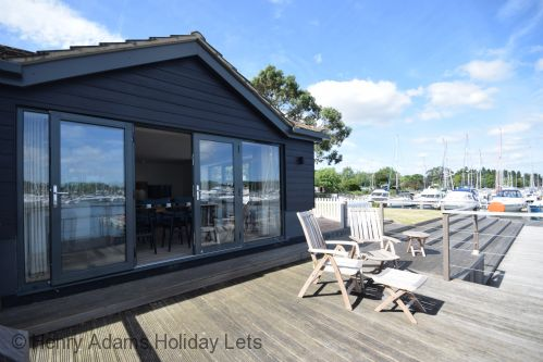 Upfront,up,front,reviews,accommodation,self,catering,rental,holiday,homes,cottages,feedback,information,genuine,trust,worthy,trustworthy,supercontrol,system,guests,customers,verified,exclusive,5 the salterns, chichester,henry adams holiday lets,chichester ,,image,of,photo,picture,view