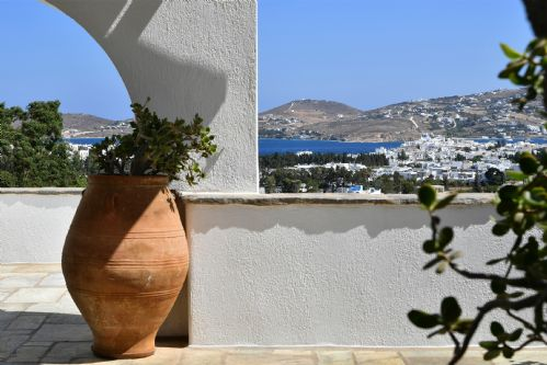 Upfront,up,front,reviews,accommodation,self,catering,rental,holiday,homes,cottages,feedback,information,genuine,trust,worthy,trustworthy,supercontrol,system,guests,customers,verified,exclusive,5 bedroom villa callista, paros, greece,villas away,paros,,image,of,photo,picture,view
