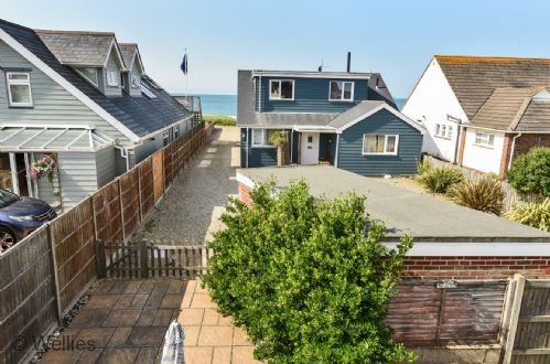Upfront,up,front,reviews,accommodation,self,catering,rental,holiday,homes,cottages,feedback,information,genuine,trust,worthy,trustworthy,supercontrol,system,guests,customers,verified,exclusive,tofts,wellies & windbreaks,east wittering,,image,of,photo,picture,view