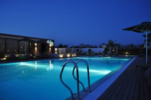 Sports Club 98 Pool
