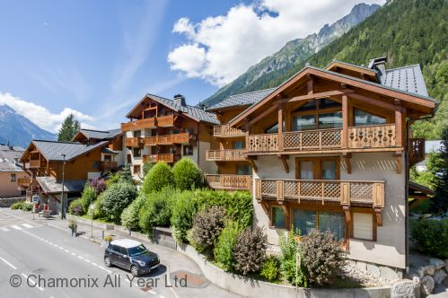 Chalets du Savoy 32 appt in a central Chamonix location