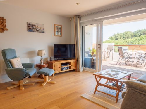 Upfront,up,front,reviews,accommodation,self,catering,rental,holiday,homes,cottages,feedback,information,genuine,trust,worthy,trustworthy,supercontrol,system,guests,customers,verified,exclusive,dunlin 3 - the cove,brixham holidays ltd,brixham,,image,of,photo,picture,view