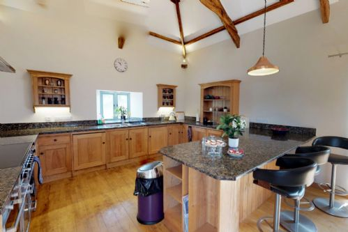 Upfront,up,front,reviews,accommodation,self,catering,rental,holiday,homes,cottages,feedback,information,genuine,trust,worthy,trustworthy,supercontrol,system,guests,customers,verified,exclusive,lanxton barn,cornwalls cottages ltd,launceston,,image,of,photo,picture,view
