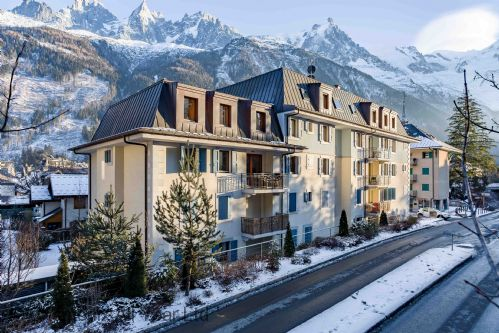 Le Paradis residence, town centre location close to the ski slopes