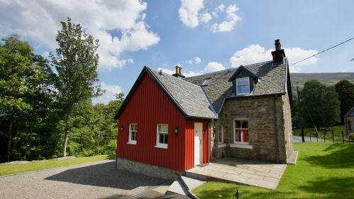 Upfront,up,front,reviews,accommodation,self,catering,rental,holiday,homes,cottages,feedback,information,genuine,trust,worthy,trustworthy,supercontrol,system,guests,customers,verified,exclusive,edinample lodge,cooper cottages,lochearnhead,,image,of,photo,picture,view