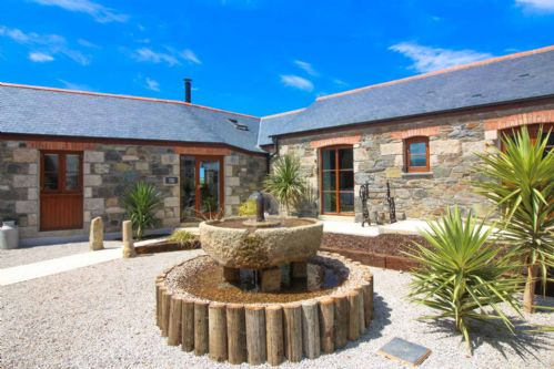 Upfront,up,front,reviews,accommodation,self,catering,rental,holiday,homes,cottages,feedback,information,genuine,trust,worthy,trustworthy,supercontrol,system,guests,customers,verified,exclusive,mulvin lodge,cornwalls cottages ltd,cury near mullion,,image,of,photo,picture,view