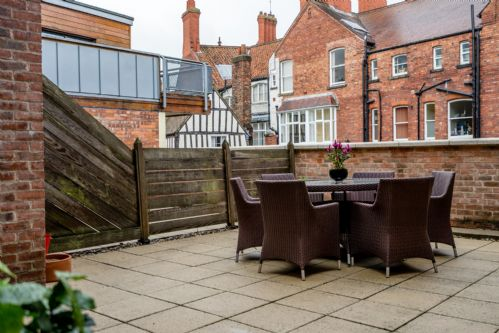 Upfront,up,front,reviews,accommodation,self,catering,rental,holiday,homes,cottages,feedback,information,genuine,trust,worthy,trustworthy,supercontrol,system,guests,customers,verified,exclusive,10 stonegate court,stays york,york,,image,of,photo,picture,view
