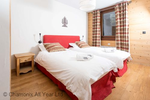 Paradis 18b bedroom can be made as a twin to suit your group
