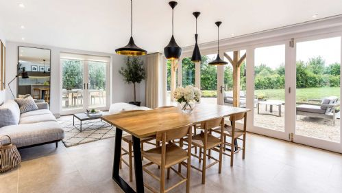 Stonehouse Kitchen Dining Area - StayCotswold