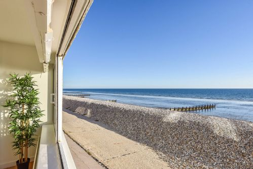 Upfront,up,front,reviews,accommodation,self,catering,rental,holiday,homes,cottages,feedback,information,genuine,trust,worthy,trustworthy,supercontrol,system,guests,customers,verified,exclusive,marineside, bracklesham,baileys estate agents,bracklesham bay,,image,of,photo,picture,view