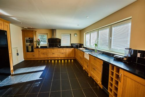 Upfront,up,front,reviews,accommodation,self,catering,rental,holiday,homes,cottages,feedback,information,genuine,trust,worthy,trustworthy,supercontrol,system,guests,customers,verified,exclusive,chapelhill,auchenheglish luxury lodges,helensburgh,,image,of,photo,picture,view