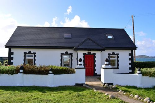 Upfront,up,front,reviews,accommodation,self,catering,rental,holiday,homes,cottages,feedback,information,genuine,trust,worthy,trustworthy,supercontrol,system,guests,customers,verified,exclusive,cottage 314 - claddaghduff,love connemara cottages,claddaghduff,,image,of,photo,picture,view