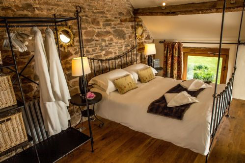 Upfront,up,front,reviews,accommodation,self,catering,rental,holiday,homes,cottages,feedback,information,genuine,trust,worthy,trustworthy,supercontrol,system,guests,customers,verified,exclusive,the bullpen,kempley barns,,,image,of,photo,picture,view
