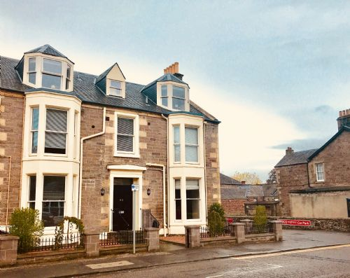 Upfront,up,front,reviews,accommodation,self,catering,rental,holiday,homes,cottages,feedback,information,genuine,trust,worthy,trustworthy,supercontrol,system,guests,customers,verified,exclusive,walmer apartment,stirling self catering ltd,bridge of allan,,image,of,photo,picture,view