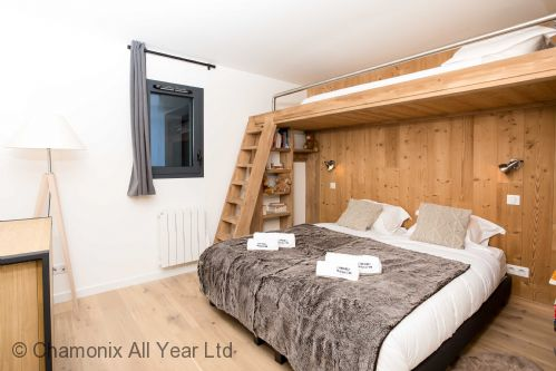Third mezzanine bedroom sleeps 3