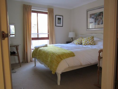 Upfront,up,front,reviews,accommodation,self,catering,rental,holiday,homes,cottages,feedback,information,genuine,trust,worthy,trustworthy,supercontrol,system,guests,customers,verified,exclusive,high riggs,greatbase apartments ltd,edinburgh ,,image,of,photo,picture,view