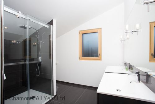 Ensuite master bathroom with Italian shower, WC & double sinks