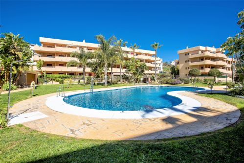 Upfront,up,front,reviews,accommodation,self,catering,rental,holiday,homes,cottages,feedback,information,genuine,trust,worthy,trustworthy,supercontrol,system,guests,customers,verified,exclusive,3 bedroom apartment, cala azul, la cala de mijas 237063,villas away,la cala de mijas,,image,of,photo,picture,view