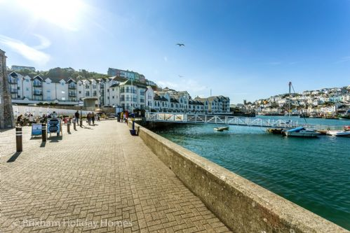Upfront,up,front,reviews,accommodation,self,catering,rental,holiday,homes,cottages,feedback,information,genuine,trust,worthy,trustworthy,supercontrol,system,guests,customers,verified,exclusive,64 moorings reach,brixham holidays ltd,brixham,,image,of,photo,picture,view